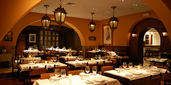 il_restaurants_fado_o-faia-2